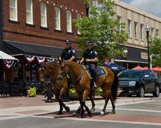 mckinney, tx mounted police on the square