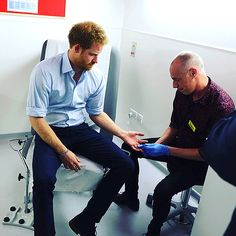 'Nervous' Prince Harry Takes an HIV Test Live on Facebook http://www.people.com/people/package/article/0,,20395222_21018386,00.html