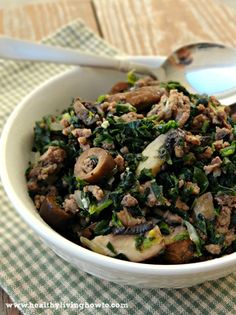 Paleo beef bowl      1 lb. Grass Fed Ground Beef  1 pkg. Frozen Organic Spinach, Thawed, Drained & Squeezed  1/2 c. Yellow Onion, Chopped  1 Punnet Baby Portabellos, Sliced  1 4 oz. Can Sliced Organic Black Olives, Drained  1 Clove Garlic, Crushed  1 tsp. Celtic Sea Salt