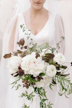 30 fall wedding bouquets fall flowers for wedding bouquets White Wedding Flowers Inspiration for You - CowlesNCP ~ Make your Wedding Ideas Fall Wedding Bridesmaids, Spring Wedding Flowers, White Wedding Bouquets, Fall Wedding Colors, Fall Flowers, Floral Wedding, Bridal Bouquets, Wedding Black, Floral Bouquets