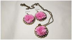Conjunto de pendientes y colgante con flor papel de seda