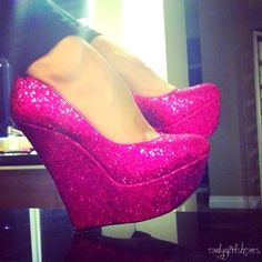 Pink and glitter, perfect!