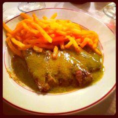Le Relais de l'Entrecôte: best steak et frites in Paris