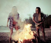 Inspiring picture beach, friends, camp, style, fire, bffs, surf, fashion, girl, girls, happy, summer. Resolution: 500x333. Find the picture to your taste!