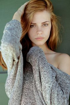 photos of stunningly beautiful women. mostly redheads. each one more beautiful than the others. freckles and braces - extra hot 🔥 💓 I want them all 💓 Bridget Satterlee, Most Beautiful Women, Beautiful People, Stunningly Beautiful, Elite Model Look, Gorgeous Redhead, Gorgeous Girl, Redhead Girl, Ginger Hair