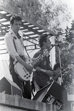 zombiesenelghetto:  The Clash, live, ca 1979