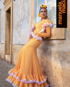 Colección 2019 Manuela Macías Moda Flamenca Flamenco Costume, Flamenco Skirt, Flamenco Dresses, Sleeves Designs For Dresses, Sleeve Designs, Online Fashion Boutique, Belly Dance, Casual Dresses, Costumes