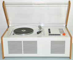 need this in my room! but in black or wood brown. Radio Record Player, Record Players, Dieter Rams, My Room, Cool Stuff, Wood, Vinyls, Coffin, Childhood