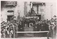 Piazza De Nava : manifestazione politica durante il Fascismo Delianuova Calabria #TuscanyAgriturismoGiratola