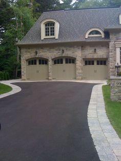 Asphalt driveway w/ Stone Border. / bontool.com
