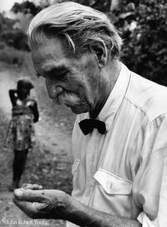 albert schweitzer - Google-Suche Scientists, Vintage Images, Compassion, Persona, Mystic, Saints, Profile, Google, Inspiration