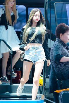 Kpop Girl Groups, Kpop Girls, Yu Jin, Korean Music, Sexy Jeans, Beautiful Asian Girls, Sport Girl, My Baby Girl, Ulzzang Girl