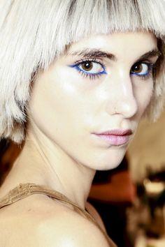Blue-eyeshadow-3-vogue-29Jan14-gorunway_b.jpg (1280×1920)