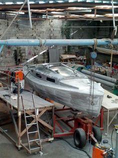 CNA Yachting.  Bélouga coque alu en construction. À suivre.! Exemplaire de chantier série à venir.