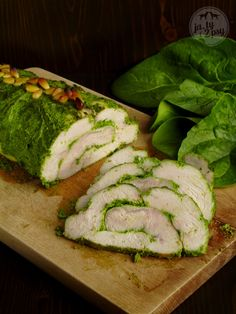 turkey breast rolled with speenach and pine nuts pesto
