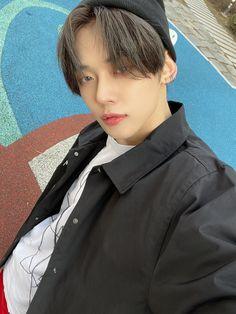 Rapper, Selca, The Dream, Twitter Update, Kpop Groups, To Youtube, South Korean Boy Band, Boyfriend Material, Korean Singer