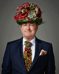 The wonderful Mr Alan Titchmarsh recently appeared on the front cover of the Radio Times magazine wearing a very special top hat, tie and an embellished no. 50 in his pocket, designed and created by florist Zita Elze. Arte Floral, Floral Tie, Floral Design, Flower Hats, Flower Dresses, Real Flowers, Flowers In Hair, Weird Fashion, Steampunk Fashion