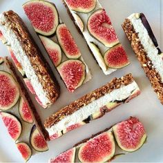 glowingleanrecipes:Walnut fig base, layered with a vanilla coconut cashew cream, topped with fresh fig slices ♡ Completely raw, vegan, sugar-free, dairy-free and gluten-free.Recipe:Ingredients:I used a 10.5cm x 20.5cm loaf tin.Walnut Fig Base½ cup walnuts¼ cup almonds2 tbsp desiccated coconut2 tbsp flaxseeds½ cup dried figs½ cup medjool dates (pitted)½ tbsp water½ tsp cinnamon Vanilla Coconut Cashew Cream½ cup cashews (soaked in water overnight)½ cup coconut milk½ cup desiccated coconut2…