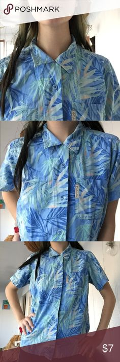 Tropical Colombia blouse Fitted/sporty fits like small/medium ♥️ please bundle Tops Blouses