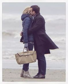 on week-end tout le monde ! Bon Weekend, Beaux Couples, Brigitte Macron, French President, Emmanuel Macron, First Lady Melania Trump, Quilted Jacket, Winter Outfits, Celebs