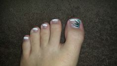 Pedicure design french tip