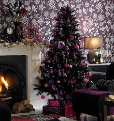 Christmas in purple shades - my sister would have loved this.