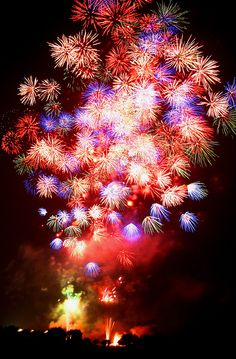 A display of Fireworks (by ♥ Spice (^_^))