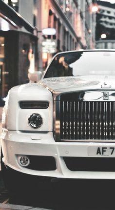 Rolls- LadyLuxury ~chicagobrunette~