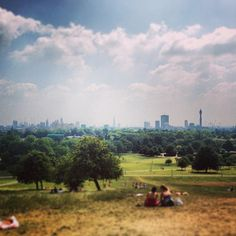 The best view in London?!!  Beautiful Primrose Hill taken by @Jordi Izquierdo is our next favourite image for our #igerslondoninthepark contest.  (at Primrose Hill)