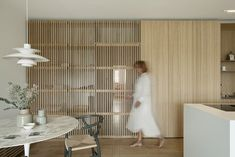 Wood Walls Re-Invented Wood Slat Wall, Wood Slats, Muji Home, Appartement Design, Interior Architecture, Interior Design, Japanese Interior, Küchen Design, Small Apartments