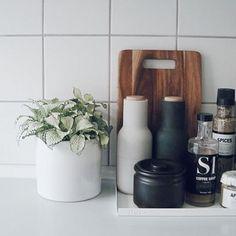 K i t c h e n - New Deko Sites Kitchen Benches, Kitchen Redo, Kitchen Styling, Kitchen Remodel, Kitchen Tray, Kitchen Interior, Interior Design Living Room, Cocinas Kitchen, Home Kitchens