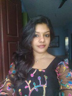 Desi Indian Dhamal | VK Beauty Full Girl, Cute Beauty, Beauty Women, Beauty Girls, Beautiful Girl In India, Most Beautiful Indian Actress, Beautiful Women, Beautiful Girl Quotes, Beautiful Eyes