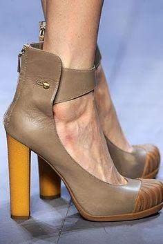 85119c3b833 Fendi duck boot heels. New Shoes