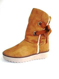 Botas para dama. Disponible en www.calzared.co
