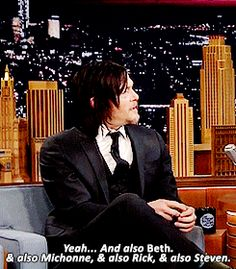 """""""Fãs querem que você seja com Carol. Eu conheço um monte de gente."""" - Jimmy Fallon / """"Sim ... e também Beth, e também Michonne, e Rick, e também Steven"""" - Norman (Tonight Show, 2/13/15)"""