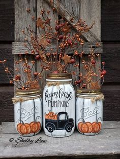 Farm Fresh Pumpkins set of Three hand painted mason jars image 0 Pot Mason Diy, Mason Jar Crafts, Fall Mason Jars, Mason Jar Pumpkin, Halloween Mason Jars, Fall Home Decor, Autumn Home, Diy Autumn, Painted Mason Jars