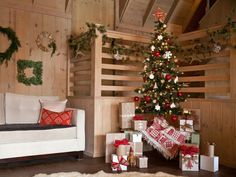 Scandinavian-Style Christmas Decorations >> http://www.diynetwork.com/how-to/make-and-decorate/entertaining/scandinavian-style-christmas-decorations-pictures?soc=pinterest