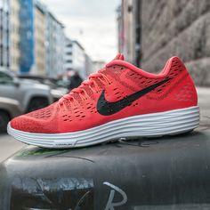 Nike Lunartempo: Red