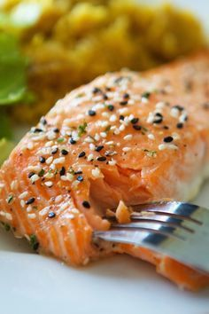 Honey Butter Sesame Salmon from Lauren's Latest. An easy and flavorful dinner! If you like honey butter, then you will love this salmon! Slightly sweet with an asian flair, this will make the fish hater into a believer. #laurenslatest #salmon #honeybutter #easymeals #dinnerrecipes