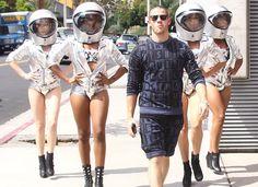 #NickJonas Films #MTVVideoMusicAwards Spot With ' #Moonbabes '