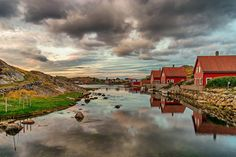 On the bridge (HDR) by Richard Larssen on Flickr