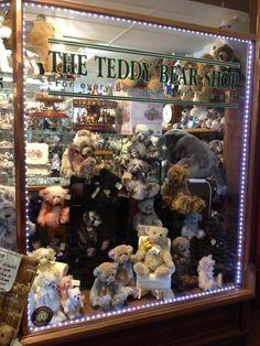 http://littlebirdiequilting.com/wp-content/uploads/2012/10/teddy_shop-e1349255954691.jpg