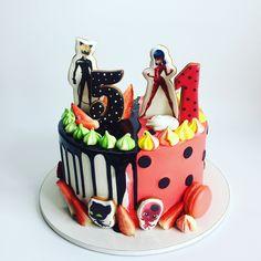 Ladybug Cakes, Owl Cakes, Ladybug Party, Chocolate Art, Drip Cakes, Love Cake, Creative Food, Cake Cookies, Cake Decorating