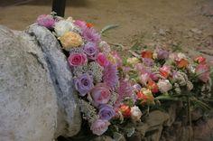 . Floral Wreath, Wreaths, Home Decor, Flower Crowns, Door Wreaths, Deco Mesh Wreaths, Interior Design, Home Interior Design, Home Decoration
