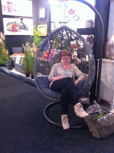 Der superschöne und superbequeme Hängestuhl - Ute beim relaxen