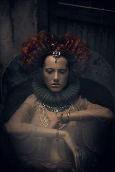 """The Look: Elizabethan - """"Queens Bath Από"""" by Signe Vilstrup Renaissance, Elisabeth I, Art Photography, Fashion Photography, Foto Portrait, Pre Raphaelite, Portraits, Dark Beauty, Belle Photo"""