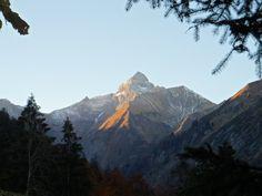 Die Trettachspitze ist mit Ihren 2.595 Metern der höchste, rein deutsche Berg der Allgäuer Alpen. Aufgrund ihrer kühnen Form (ein sehr steiles, schmales Felshorn von Westen und Osten gesehen) gehört sie zu den berühmtesten Bergen der Allgäuer Alpen.