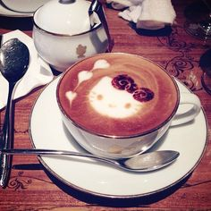 Hello Kitty latté from the Kitty cafe, Yokohama #kawaii #hellokitty #coffee #latte #yokohama Read more at http://websta.me/p/646190117865095363_39243551#yRABBsmsY5X3fEjV.99