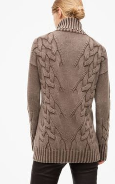 Косы ёлочкой плетём как Iris von Arnim. Свитер спицами.