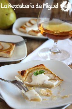 Tartas de Peras con Crema de Nata, Miel y Bourbon.